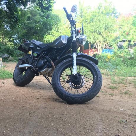 yamaha-tw-200-big-1