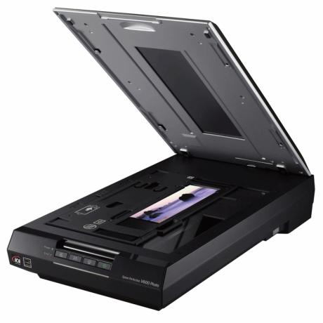 epson-perfection-v600-flatbed-photo-scanner-big-2