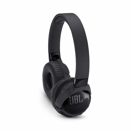 jbl-wireless-on-ear-head-phones-big-0