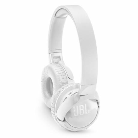 jbl-wireless-on-ear-head-phones-big-3