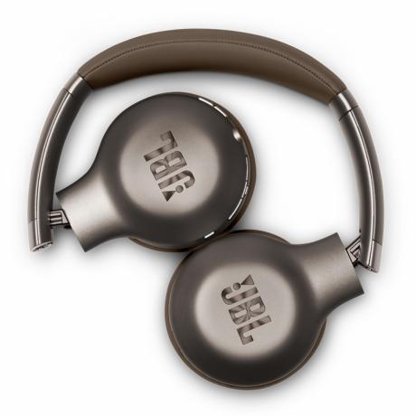 jbl-wireless-on-ear-head-phone-big-1
